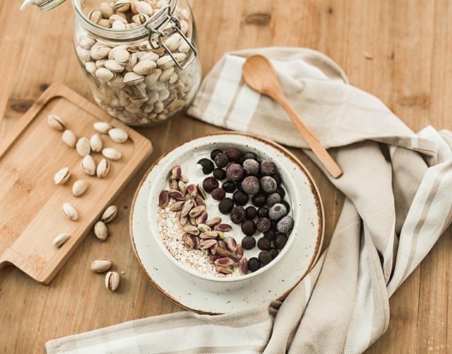 Bowls con pistachos para desayunar