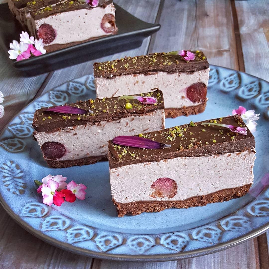 cheesecake vegana con pistachos