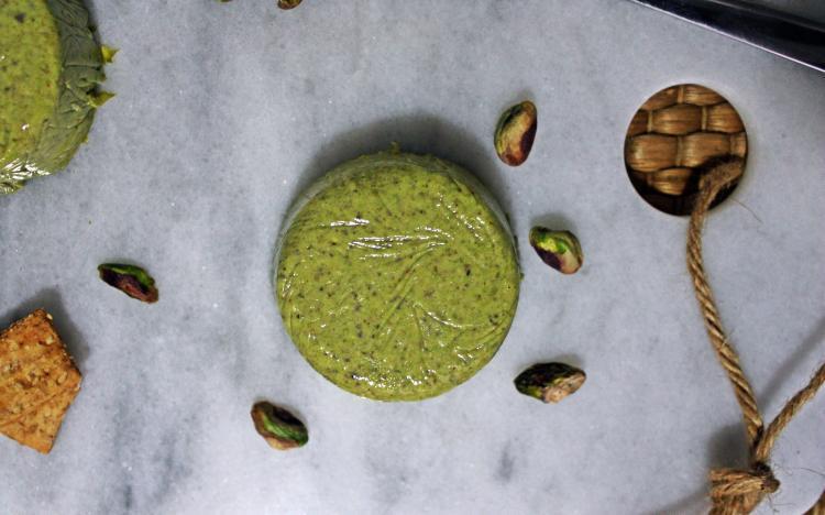 Queso de pistachos